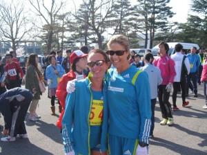 Lisa and Kate Smyth before the Nagano Marathon