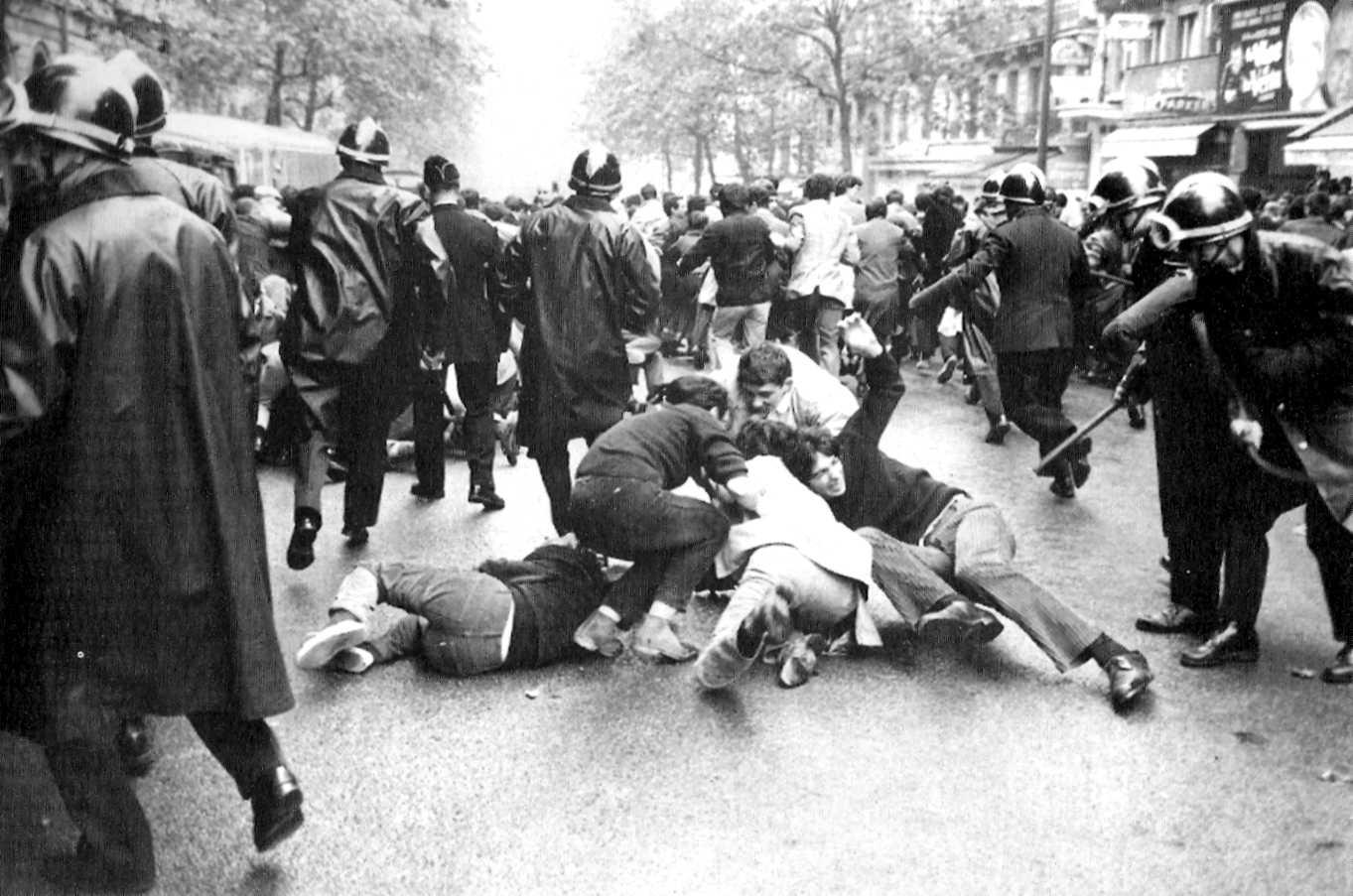 riot-in-paris-1968